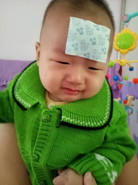 宝宝出牙发烧, _宝宝六个月13天了,从昨天早晨