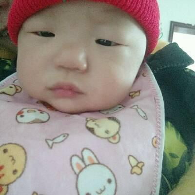 由于,天气冷,宝宝有点着凉了,伴有流鼻涕,和咳嗽