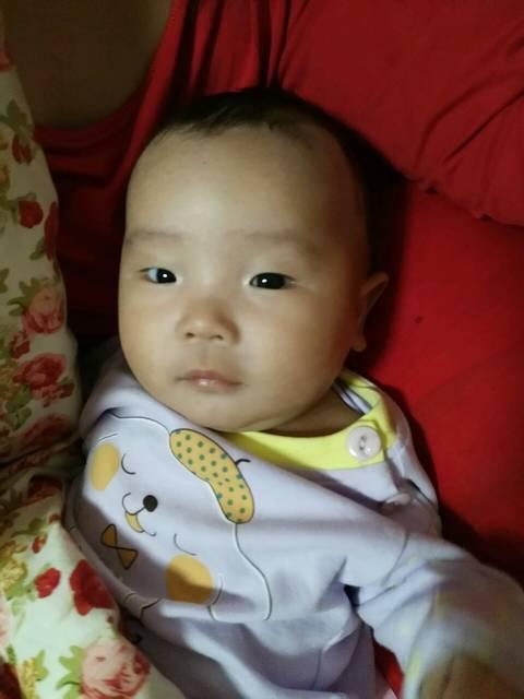 宝宝三个月最近晚上哭闹