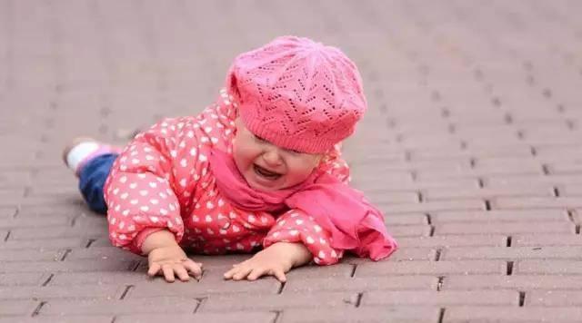 宝宝学走路的 4 个问题,爸妈不得不注意_宝宝开